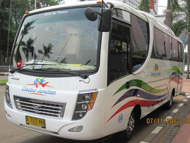 Bus Pariwisata Cibubur Junction Jakartarentbus