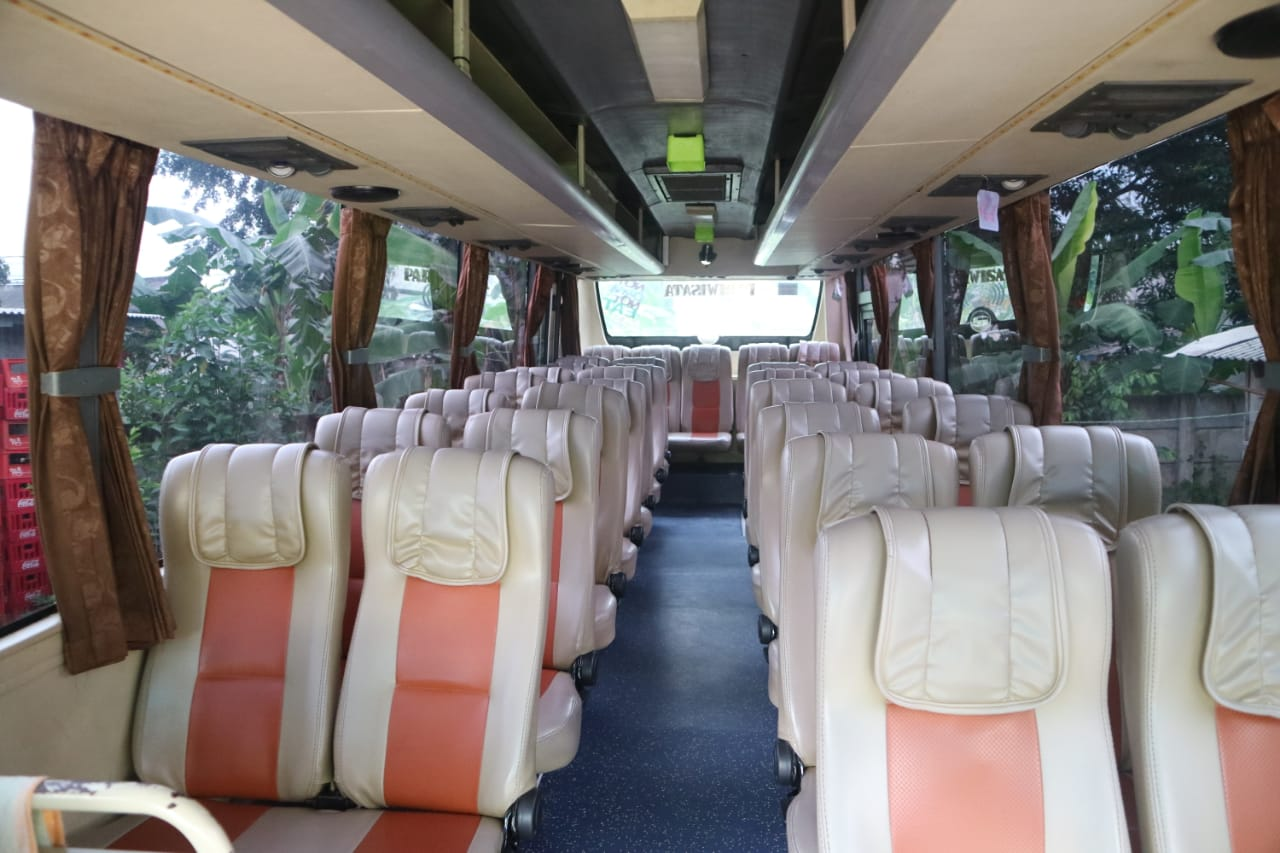 Seat Medium Bus Pariwisata Abituren