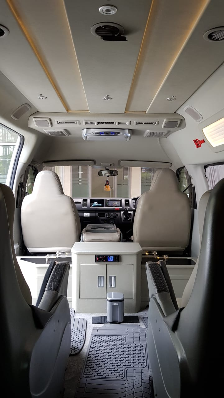 Interior Luxury Hiace